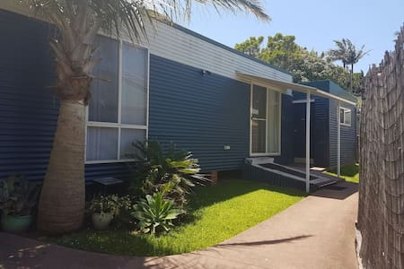 JR's Studio Apartment Coffs Central - Coffs Harbour - Apartamento
