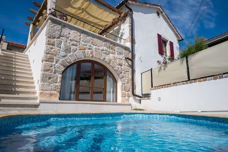 Luxury rustic house with pool 9401 - Polje, Dobrinj