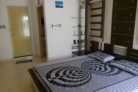 Private Room in Vavol, Gandhinagar - Apartment