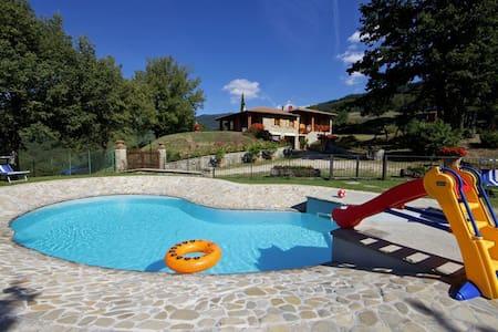 La Casa Di Peter, sleeps 8 guests in Ponte Biforco - Stia