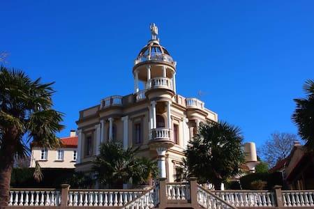 Villa Indiana Modernista de 1921. Vistas a la Ría. - Fene - Villa