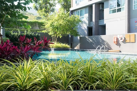 Modern Studio Apartment with Pool and Gym - Su Thep - 公寓