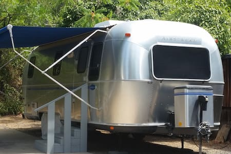 Baby Bear Airstream Motor Lodge - Camper/Roulotte