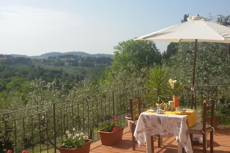 Cosy house in the hills of Florence - Villa