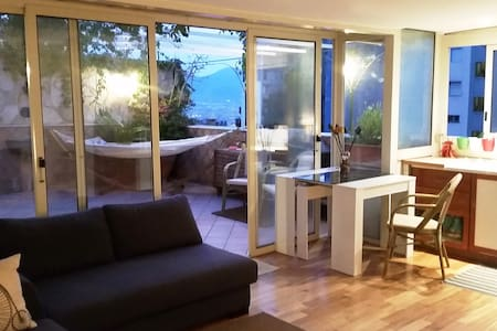 B&B Central penthouse with panoramic terrace - Napoli