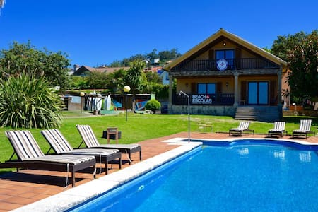 Beachescolas Windsurf House - Shared 10 Bed Dorm - Cangas - Bed & Breakfast
