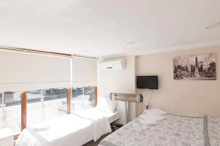 Triple Room  With Balcony - Istanbul - Lejlighed