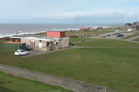 Flat with lovely sea views! - Porthcawl
