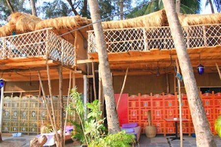 Cozy nook Beach Cottage - Canacona - Hut