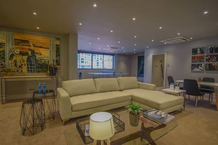 Huge Stunning Apartment in Sea Point-24hr Security - Kapstaden