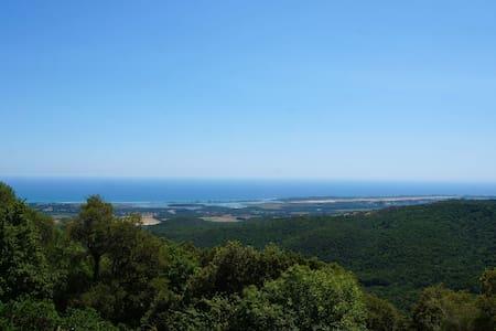Villa avec une vue exceptionnelle 10 min de la mer - Hus