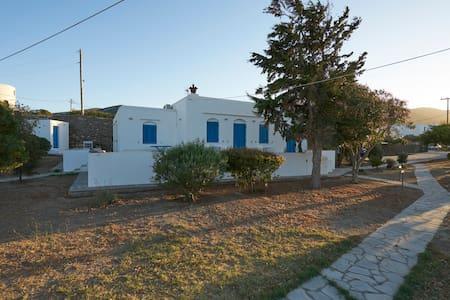 Holiday Villa in Exambela Sifnos - Villa