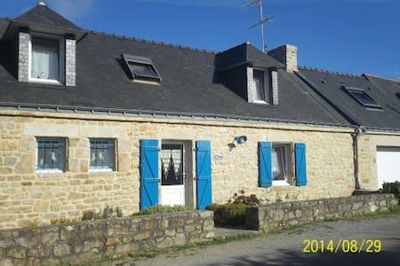 ty blue penty breton - Huis