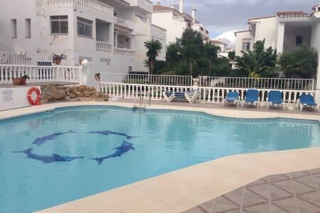 Apto.con piscina 5 min de la playa. - Wohnung