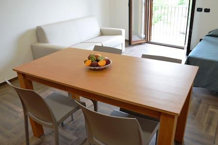 Monolocale con cucina - Apartment