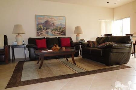 2BD/2BA Condo Luxury Desert Princess Golf Resort! - Wohnung