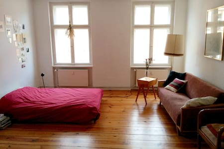 Big, cozy room in Rixdorf, Neukölln - Apartamento