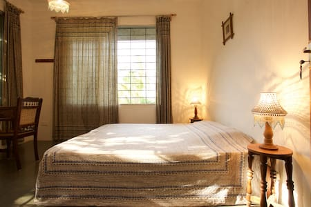 The ANNEX, I.A. Guest House Room #4 - Auroville