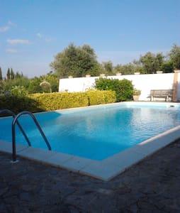 Casa vacanze in campagna e piscina privata Sassari - Sassari - Hus