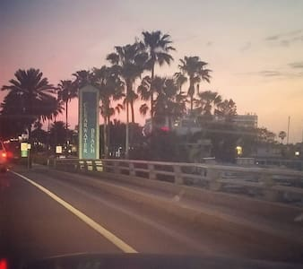 Coral Reefer~Quaint Beach Cottage!! - Clearwater - Apartament