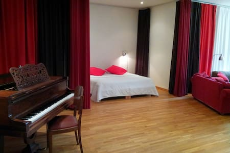 Le Salon de Musique (80m2) - Tourny - Bed & Breakfast