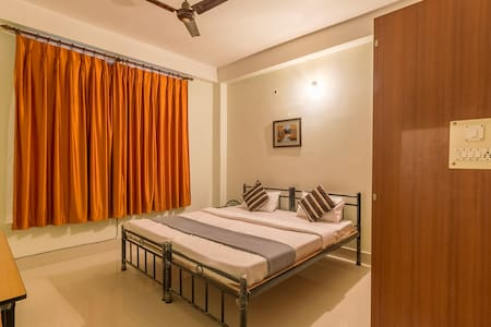 Tusti Kolong, a secured centrally located Homestay - Guwahati - Apartment