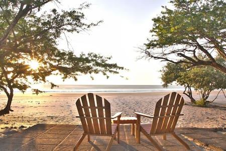 Coco Luxury Beachfront 3 bedroom Condominium - Lakás