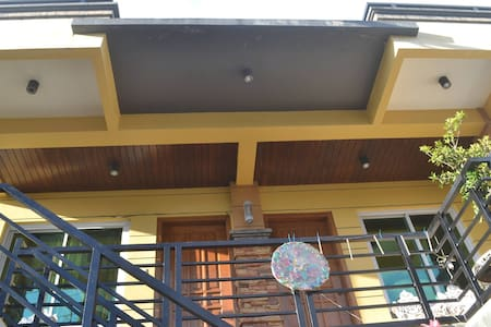Spacious Studio with Park View - Casa