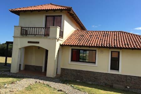 Casa de lujo en Marco de los Reyes - Villa Serrana - Haus