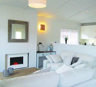 2 Bedroom Deluxe Lodge at Norfolk Park - North Walsham
