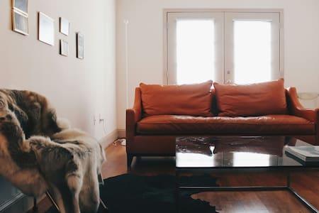Photographers Home - Atlanta - Loft