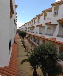 Beautiful apartment in Zahara de los atunes - Apartamento