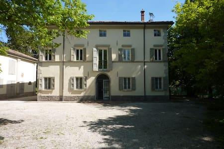 VILLA ORLANDINA - PASTELLO - San Venanzio