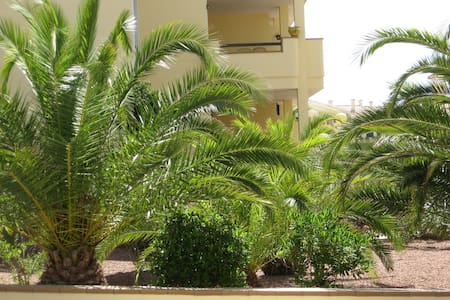Mooi nieuw ingerichte appartement op golf bij zee - Orihuela