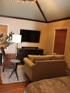 Historic Beautifully Renovated Downtown Guesthouse - Phoenix - House