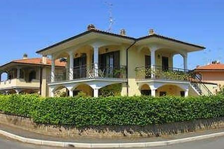 Villa in Bolsena - Bolsena - Villa