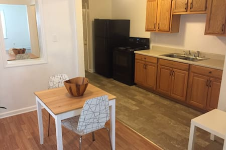 Newly Renovated and Clean. 5min to Dwtn/Oregon-Dst - Dayton - Apartment