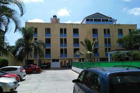 Confortable departamento con alberca, chapoteadero - Wohnung