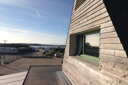 Appartement neuf vue imprenable sur l'océan - Leilighet