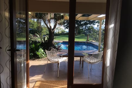 """La Provence"" near Byron Bay and Coolangatta - Bed & Breakfast"
