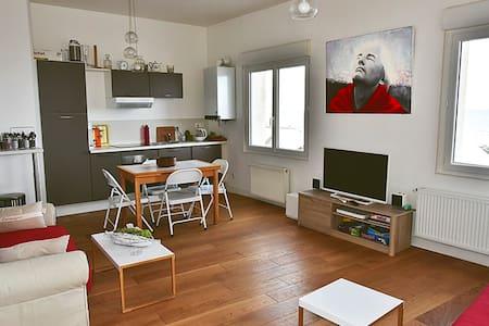 Magnifique appartement en front de mer - Saint-Aubin-sur-Mer - Byt
