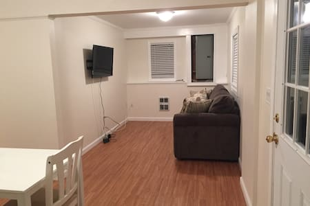 New In-Law Apartment/private entry - Westfield - Apartment