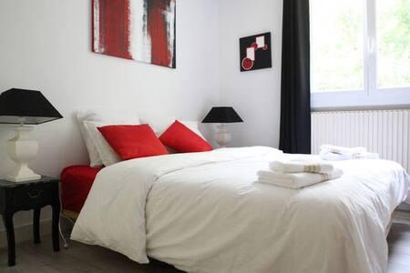 Proche Tours Chambre Design privée aux 3 Chênes - Ev
