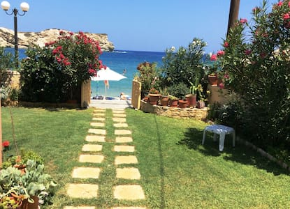 Beachfront apartment in Ligaria Crete - Ligaria - Apartment