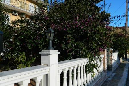 Logaras Apartments in Agia Efimia, Kefalonia - Agia Effimia - Apartment