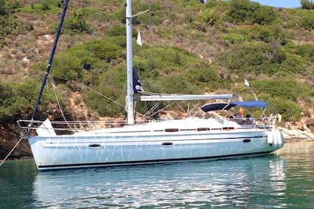 Modern Sailing Yacht based in Corfu - Korfu