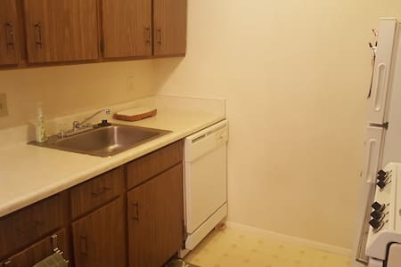 Studio Apartment Room in East Wichita - Wichita - Apartment
