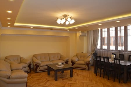 Three bedroom apartment with a beautiful view. - Jerewan