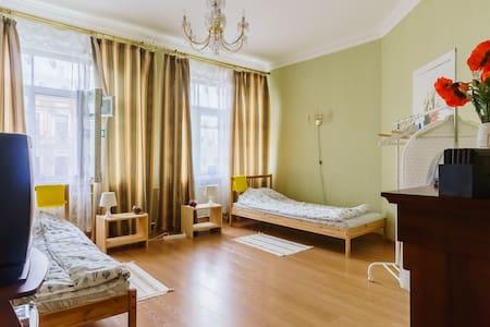 Экономно. Комната для 2х человек - Sankt Petersburg - Wohnung