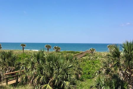 FALL DEAL!!   Oceanfront Condo for Six!!!! - 棕櫚海岸(Palm Coast)
